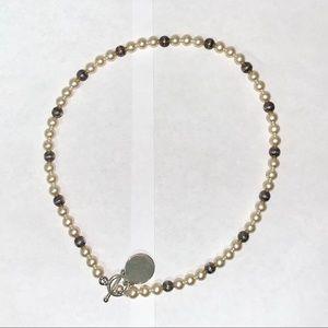 EUC Faux Pearl Necklace